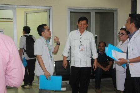 5 Pasang Calon Walikota Manado Ikuti Pemeriksaan Kesehatan di RSUP Prof Kandow