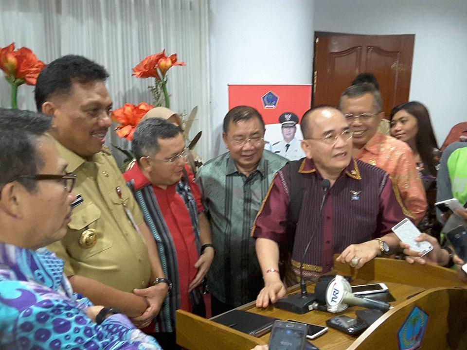 Kunjungi Sulut, Komisi III DPR RI Kagen Dengan Olly Dondokambey