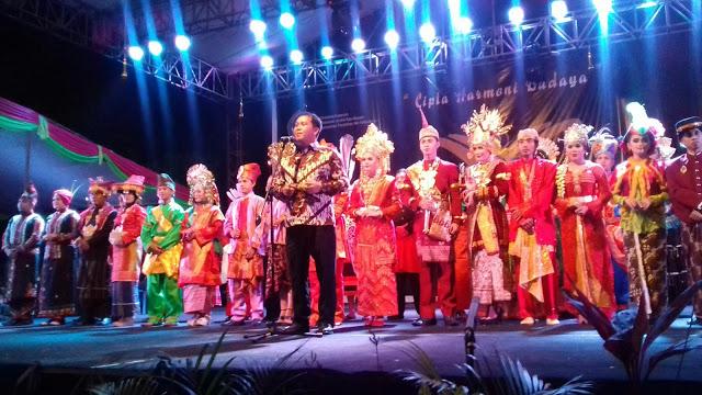 Satukan Budaya Nusantara, Kandouw : Sulut Berbangga