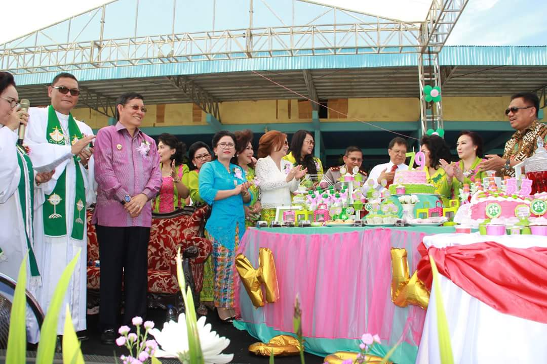 Ribuan WKI GMIM Padati Stadion Klabat Manado