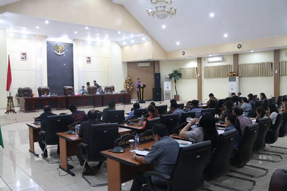 Dibacakan Wawali, Penghantar Nota Keuangan RAPBD Kota Manado 2017 Berakhir Subuh