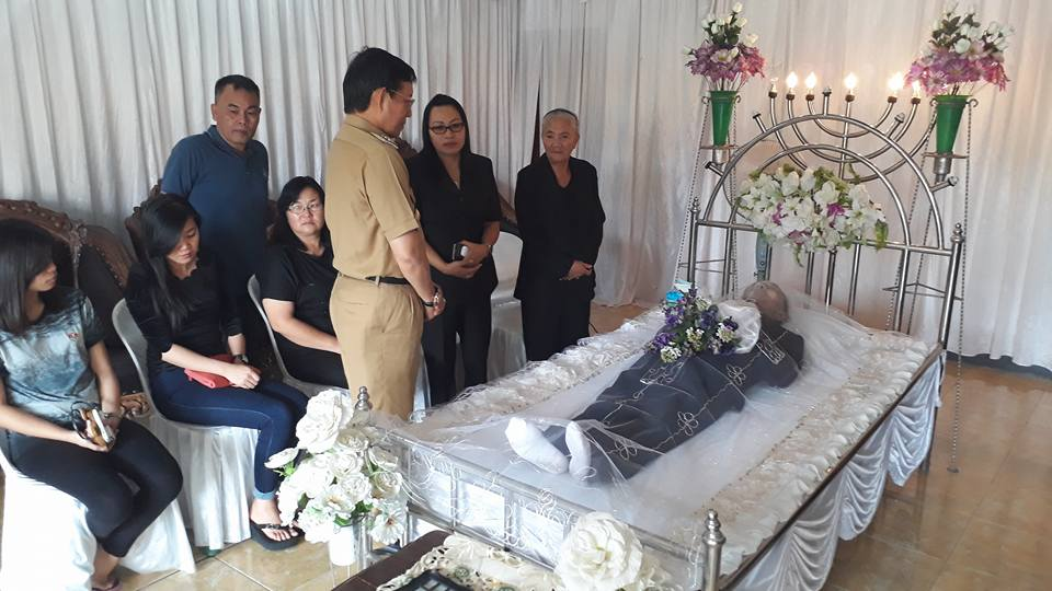 Melayat Mertua Camat Wanea di Kawangkoan, GSVL : Semua Manusia Akan Mengalami Peristiwa Ini