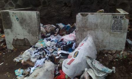 Jam Buang Sampah Masih Dilanggar