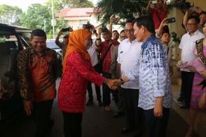 Menteri Sosiali, Kofifah Indar Parawansa, Kota Manado