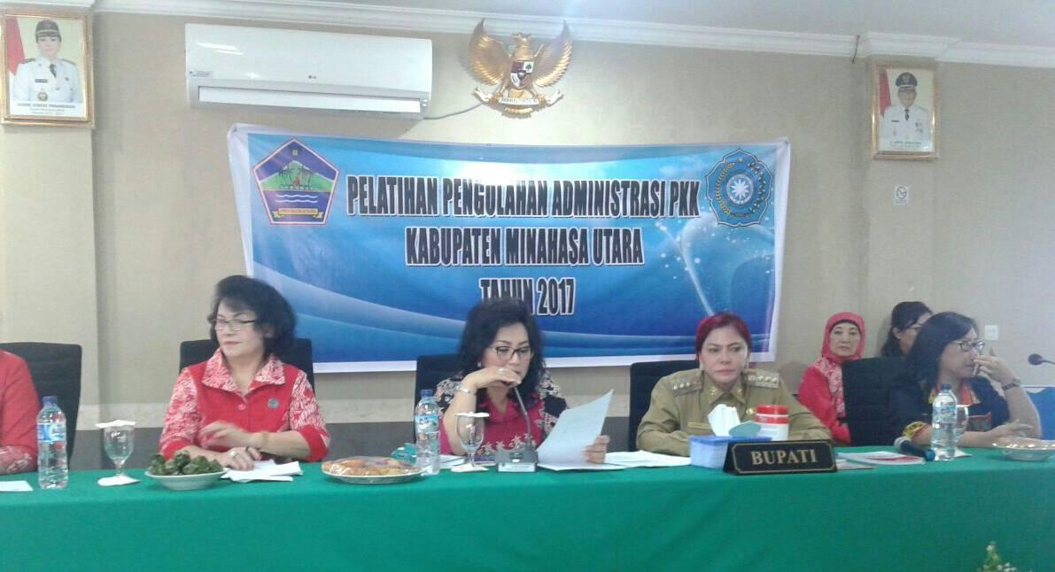 Beri Materi Di Minut, Rita Dondokambey: Pengelolaan Administrasi Sangat Penting