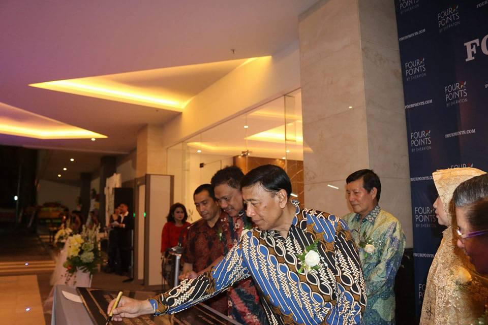 Menko Polhukam Resmikan Hotel Four Points by Sheraton, Gubernur OD dan Walikota GSVL Turut Gunting Pitah