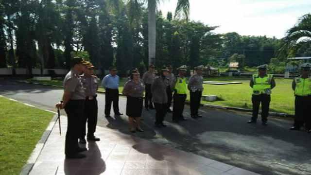 Kapolres Arya Perdana Kawal Langsung Pengamanan Jumat Agung di Minsel