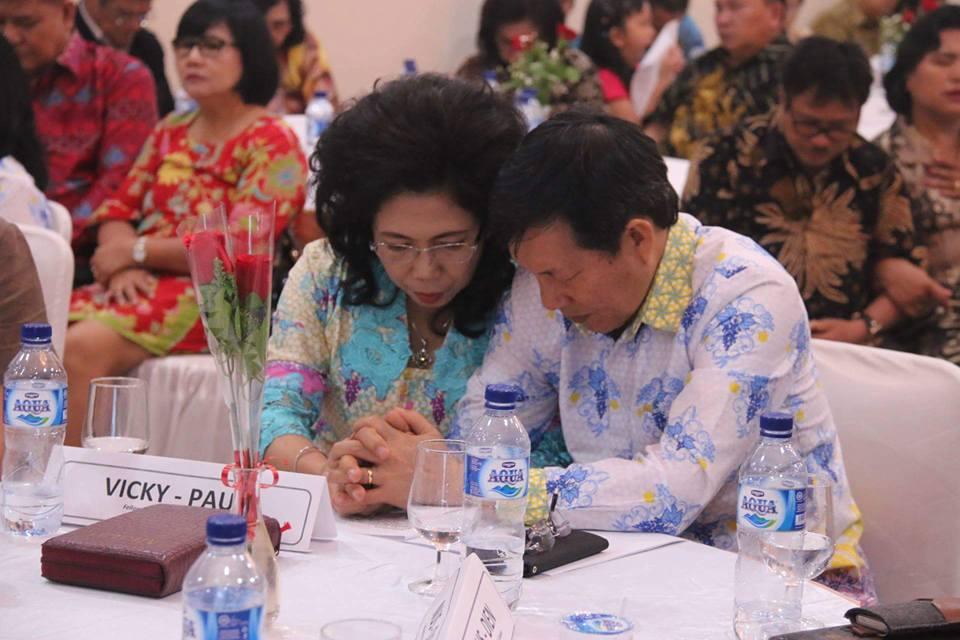 Syukur HUT Pernikahan ke – 30, Walikota Manado Gelar Fellowship