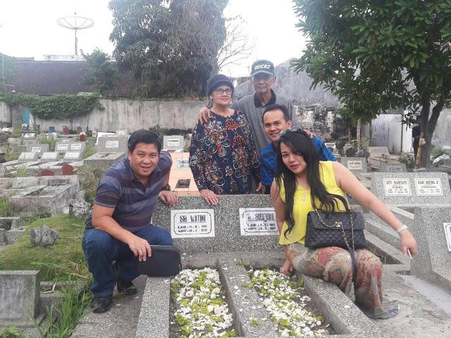 Wagub Kandouw dan Ibu dr Devi Ziara ke Makam Keluarga di Malang