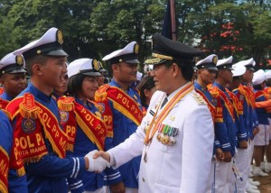 Apresiasi Walikota GS Vicky Lumentut terhadap pasukan Marching Band Satuan Polisi Pamong Praja