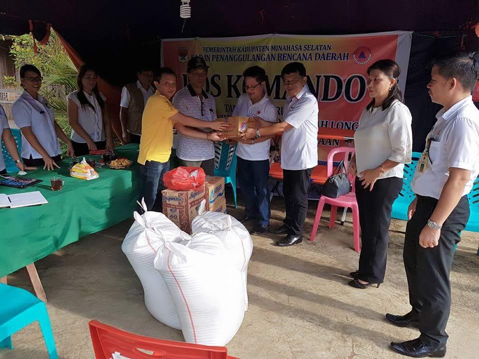 PMI Minsel Bantu Korban Banjir di Desa Tambelang