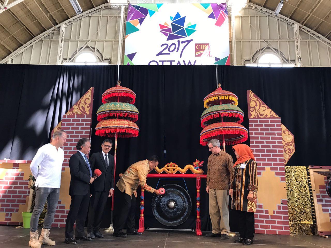 Kehormatan, OD Bersama Walikota Ottawa Buka Festival Indonesia – Canada 2017