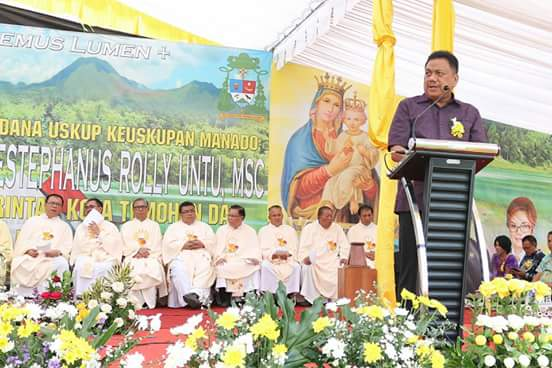 Gubernur OD Ajak Umat Katolik Terus Perkuat Kebersamaan