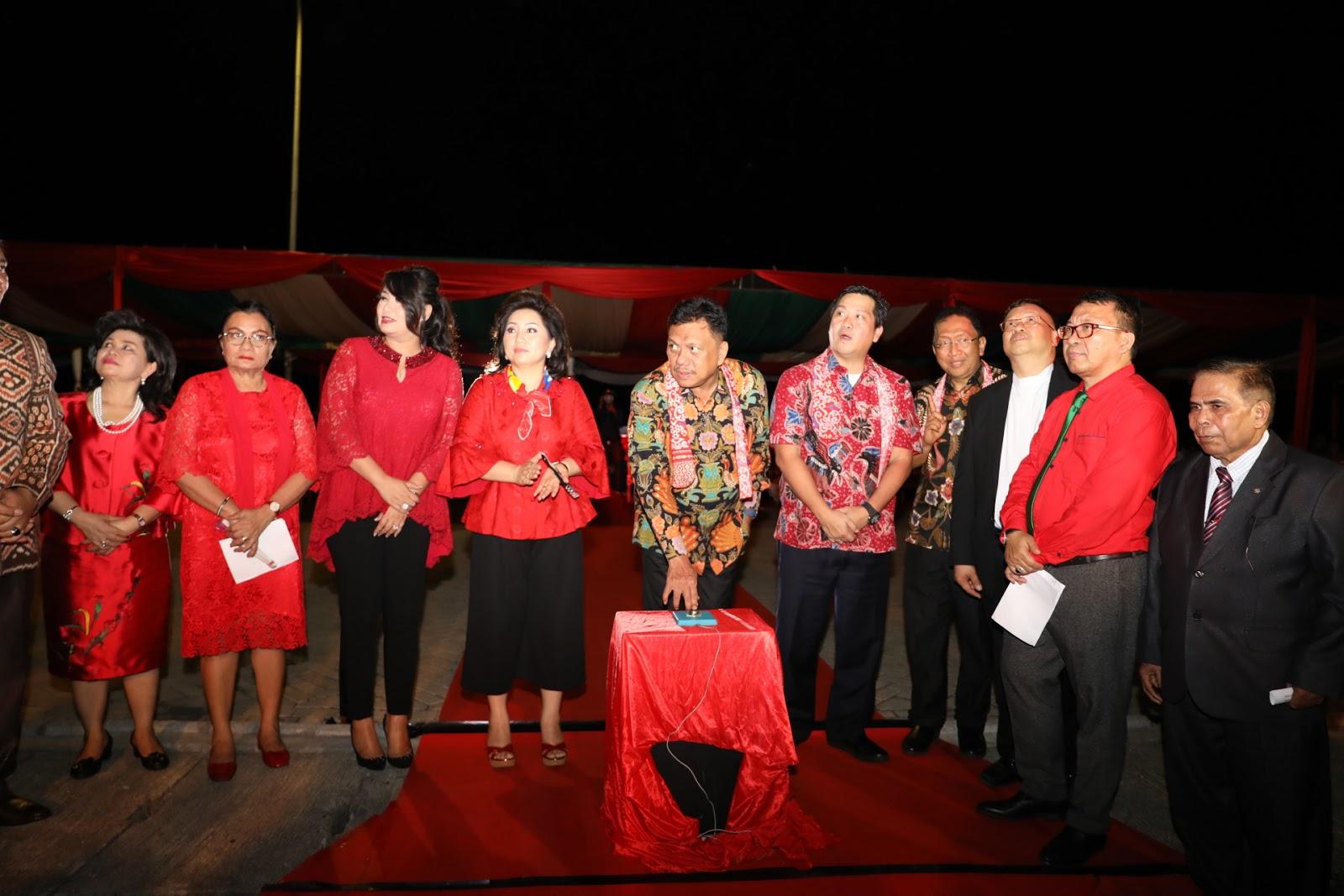 Christmas Festival 2017 Resmi Dibuka Gubernur Sulut Olly Dondokambey