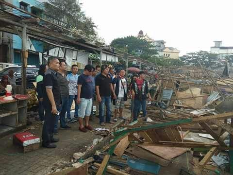PD Pasar Manado Bongkar Ratusan Kios dan Lapak