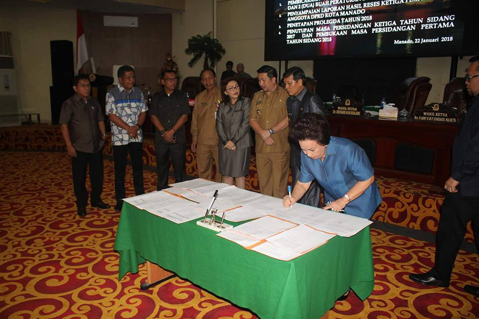 DPRD Manado Tetapkan Dua Perda