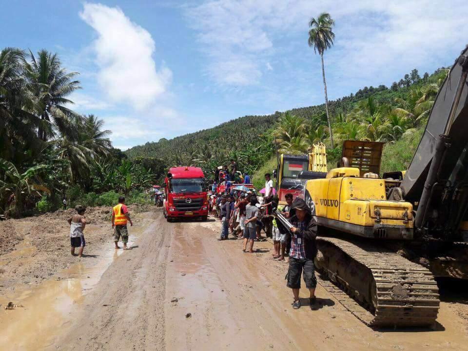 Setelah Tertutup Longsor, Jalur Trans Sulawesi di Desa Blongko Sudah Bisa Dilewati