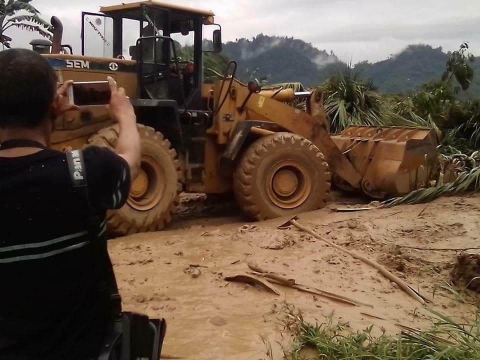 Tertimbun Tanah Longsor, Akses Jalan Trans Sulawesi Lumpuh Total