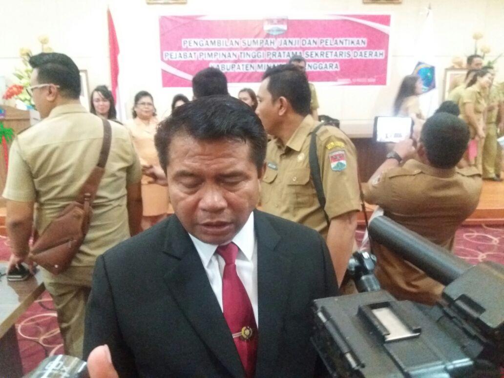Ronald Kandoli Lantik Sekda Minahasa Tenggara