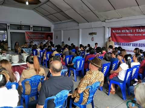 Reses, Ketua DPRD Kota Manado Disambut Hangat Warga