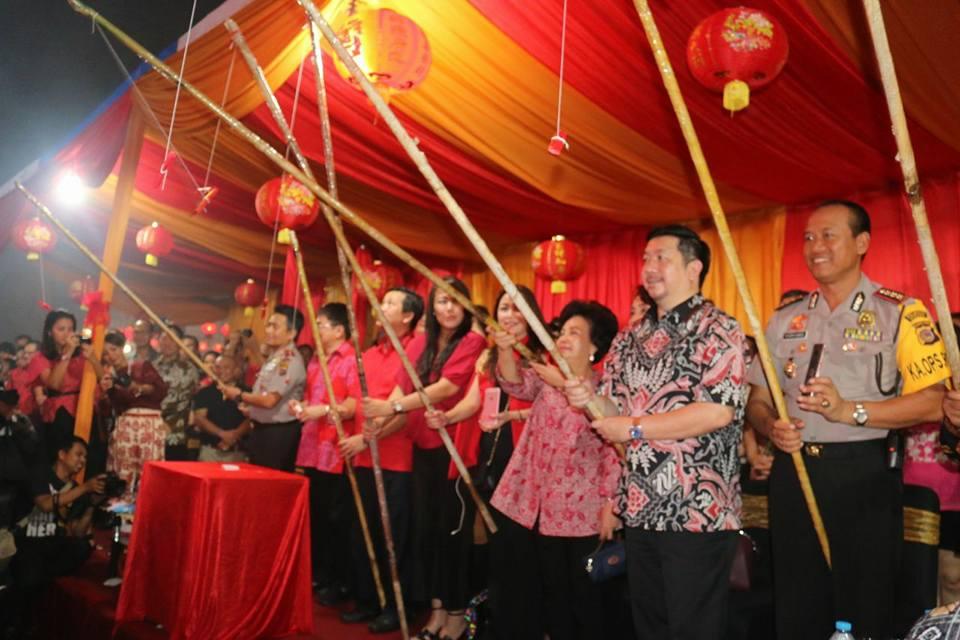 Pisah Tahun Baru Imlek di Manado Berlangsung Semarak