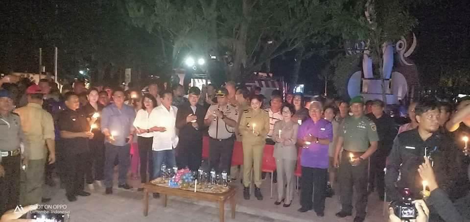 1000 Lilin Dari Minut Untuk Surabaya, Bupati VAP Kecam Aksi Teroris