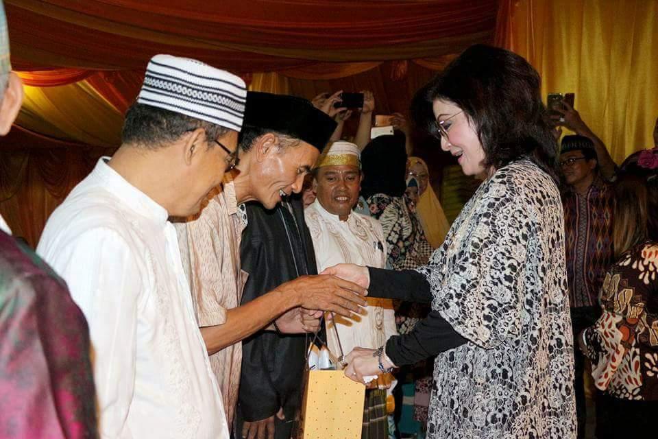 Bupati dan Wabup Minsel Buka Puasa Umat Muslim se- Minsel