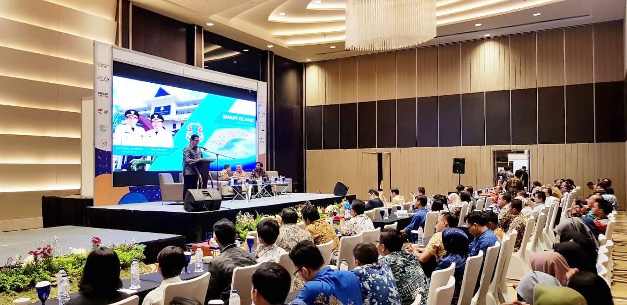 Mor Bastiaan Jadi Pembicara Pada Acara Seminar Smart Island And Smart Tourism