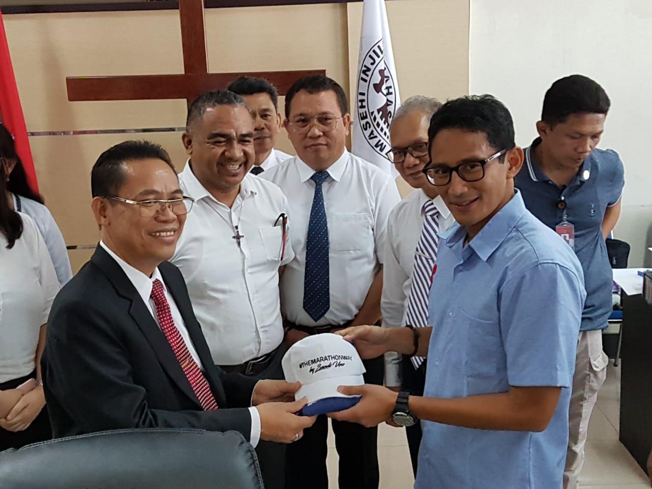 Sandiaga Uno Kunjungi Kantor Pusat Sinode GMIM Kota Tomohon