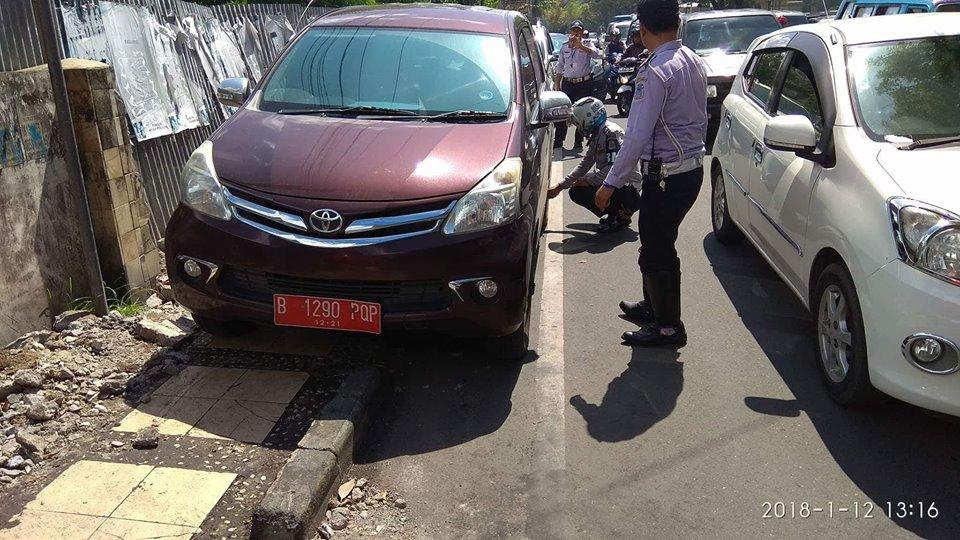 Tindak Parkir Liar, Dishub Ingatkan Pemilik Kendaraan Tertib