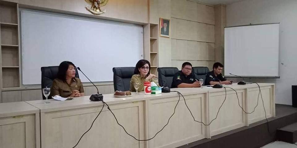 Bupati Tetty Berikan Pembekalan Kepada 68 Pendamping PKH se-Minsel