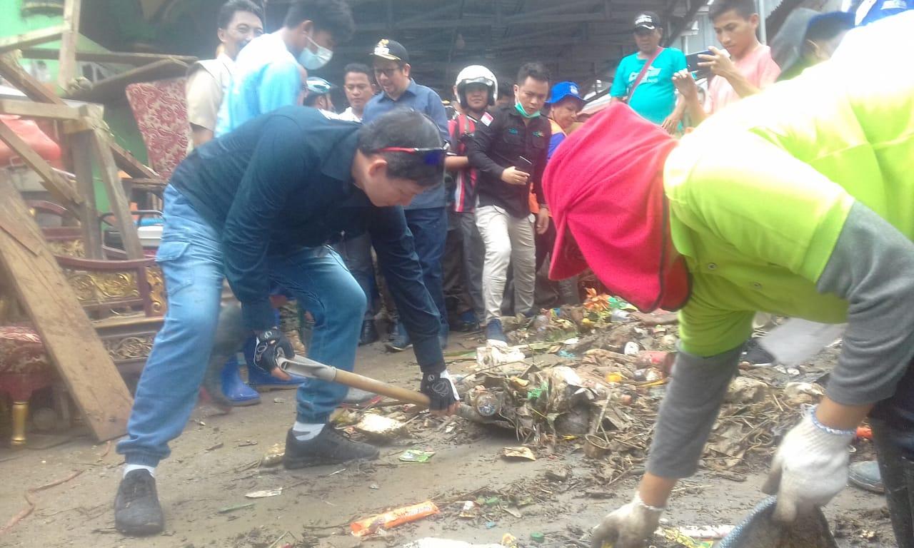 Pemulihan Pasca Bencana Manado, GSVL-MOR Turun Bersihkan Kota