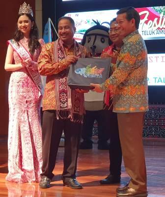 Manado Fiesta Menggema di Launching Calender of Event 2019 North Sulawesi