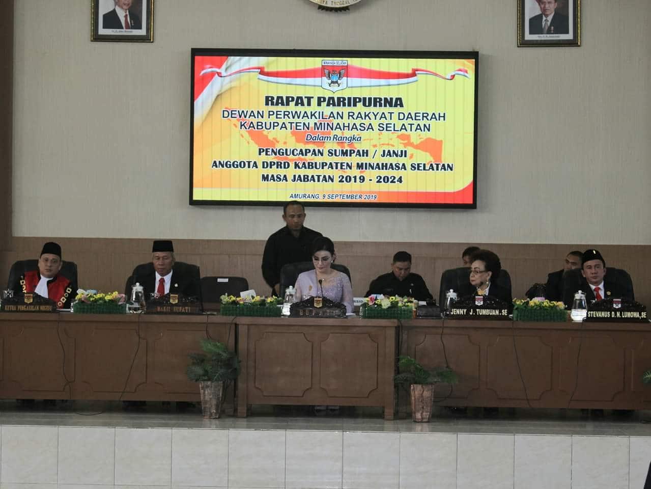 30 Anggota DPRD Minsel Resmi Dilantik