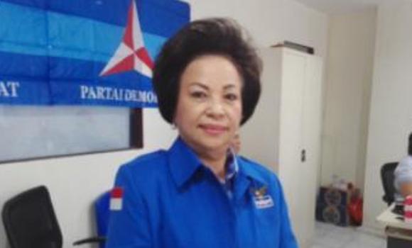 SBY Teken SK Nootje Van Bone Wakil Ketua DPRD Manado