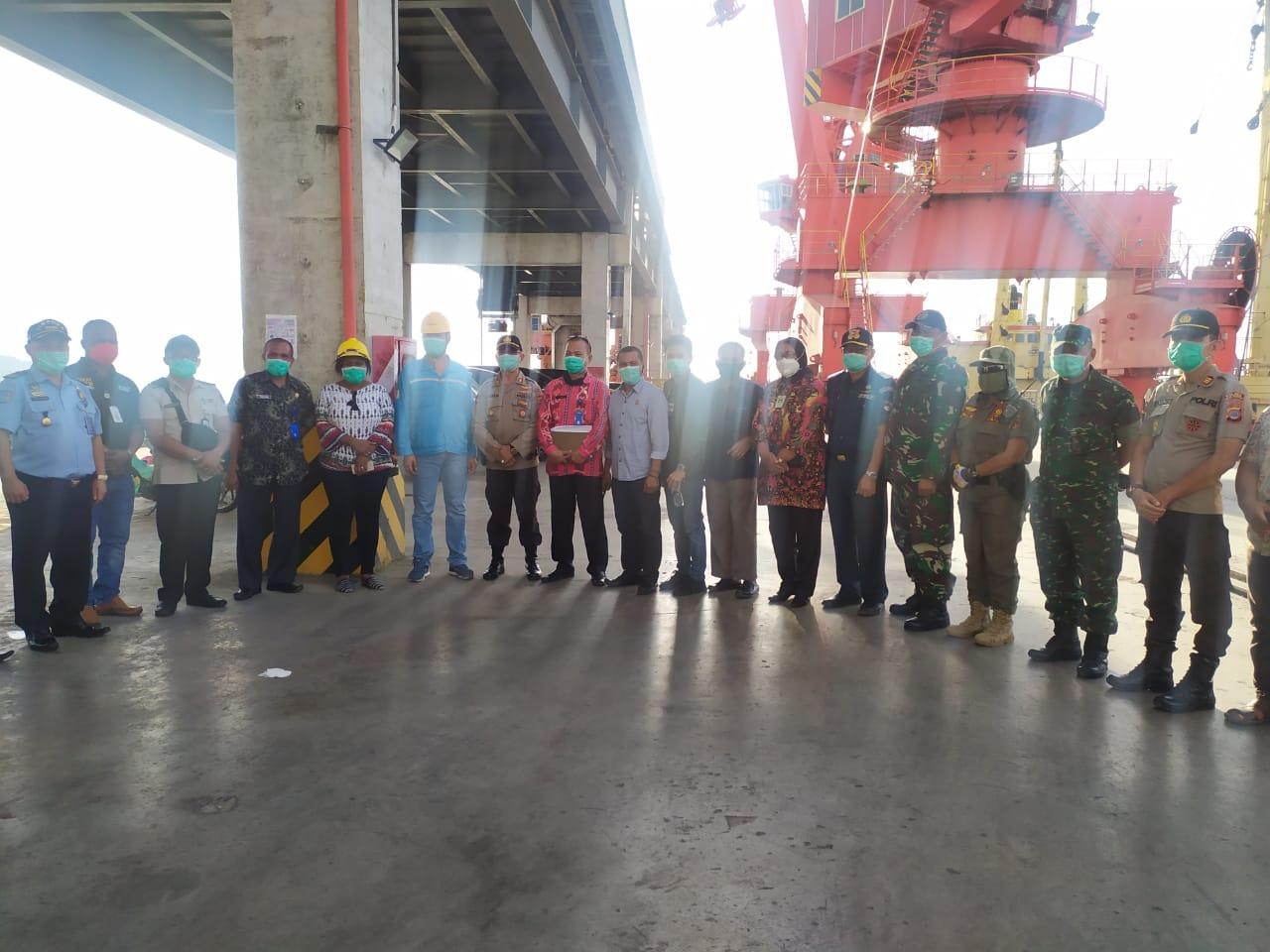 Cegah Covid-19, Pemkab dan DPRD Bolmong Sidak Aktifitas Pelabuhan PT CONCH