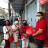 DPD PDIP Sulut Salurkan Bantuan Sosial