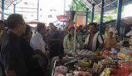 Permalink ke Sidak di Pasar Karombasan dan Swalayan, Komisi B DPRD Manado Temukan Daging dan Barang Tidak Layak Jual
