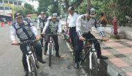 Permalink ke Gunakan Sepeda, Petugas Dishub Patroli di Kawasan Boulevard