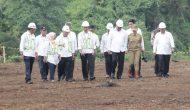 Permalink ke Tinjau Bendungan Kuwil, Jokowi : Gede Banget Ini, Bisa Tampung Air 23 Juta Kubik