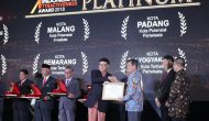 Permalink ke Diserahkan Mendragri,Walikota GSVL Terima Langsung Penghargaan Platinum Indonesia's Attractiveness Award 2018