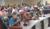"""Permalink ke Desak Penetapan Calon Ditunda Pendukung Balon Kumtua """"Duduki"""" DPRD Minut"""