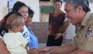 Permalink ke Wakili Bupati, Wongkar Serahkan Bantuan Bansos PKH Non Tunai