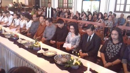 Walikota Manado Ikut Perjamuan Kudus di Imanuel Wanea