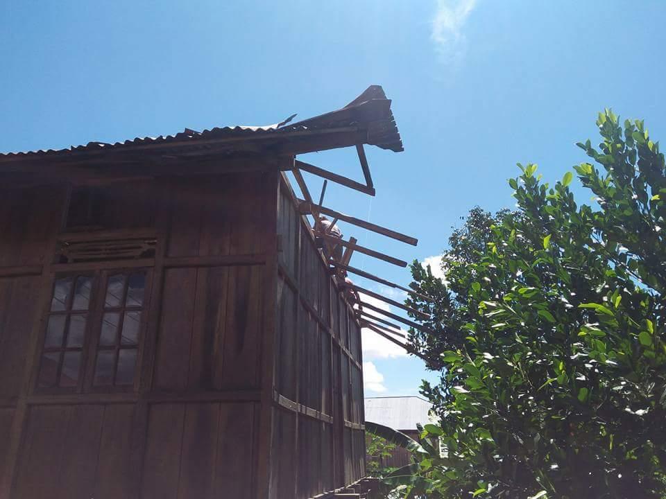 Lima Rumah di Desa Tokin Rusak Parah Dihantam Puting Beliung