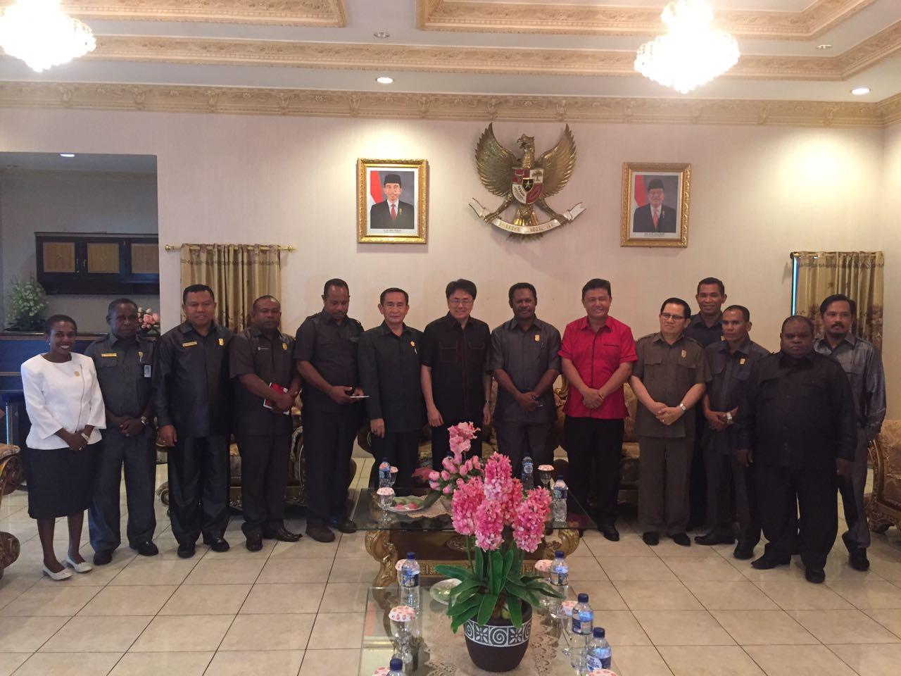 Permalink ke DPRD Papua Barat Timba Ilmu di Gedung Cengki Sario