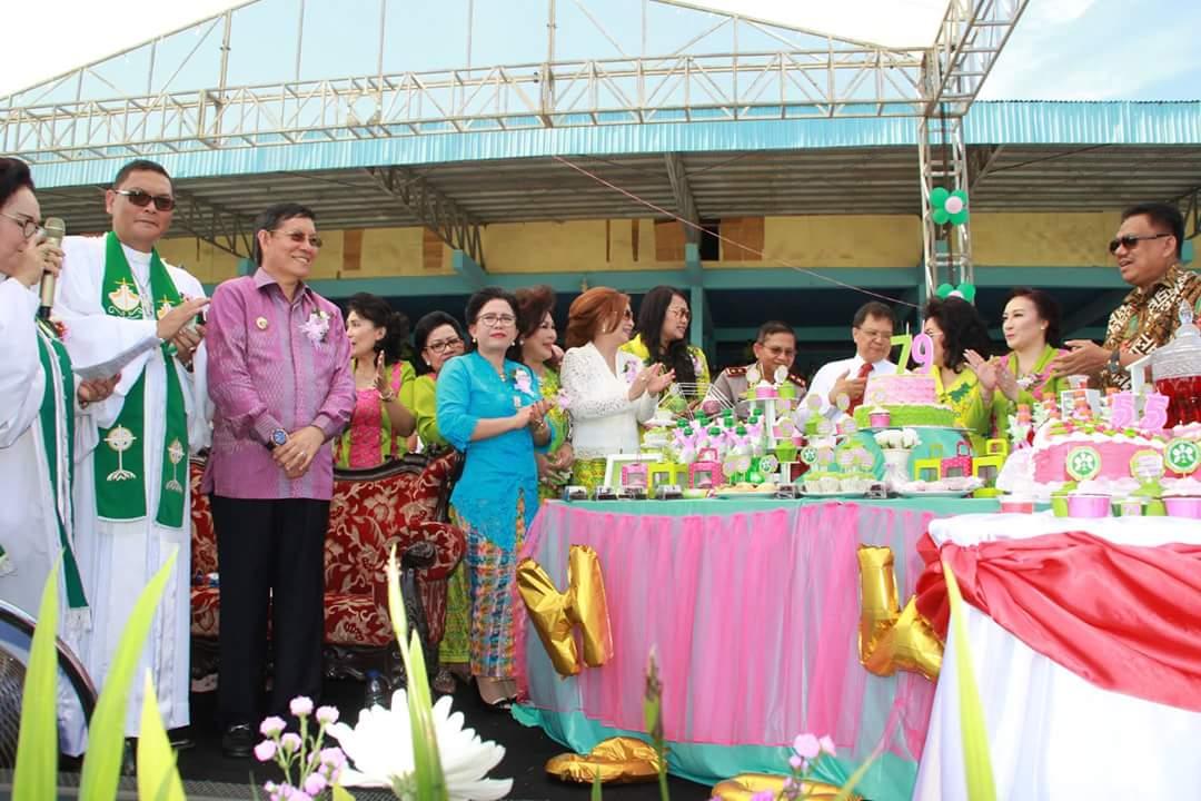 Permalink ke Ribuan WKI GMIM Padati Stadion Klabat Manado