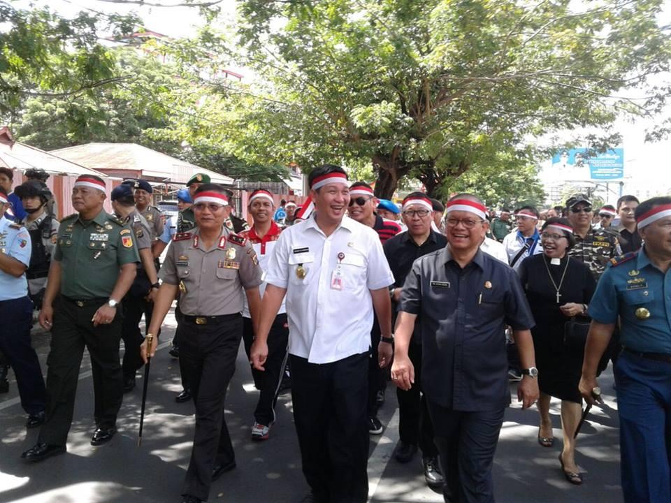 Permalink ke Parade Nusantara Bersatu, Wagub Sulut, Pangdam dan Kapolda Ikut Turun ke Jalan