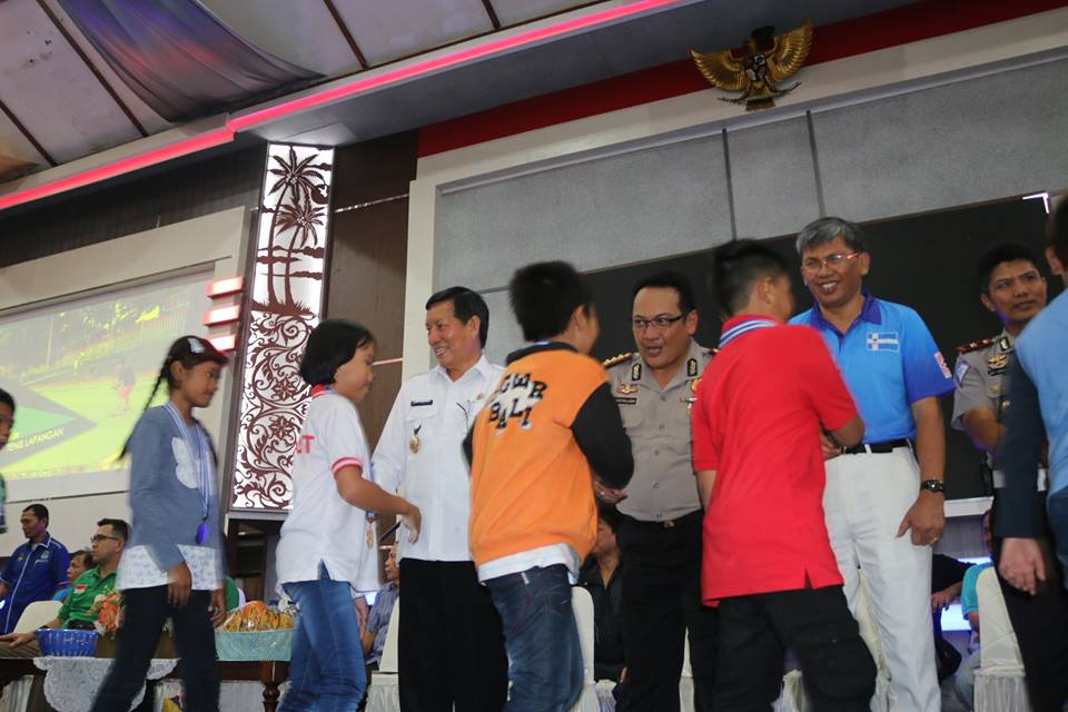 Permalink ke Jawara Liga Pelajar Terima Medali, Ini Pesan Walikota GSVL