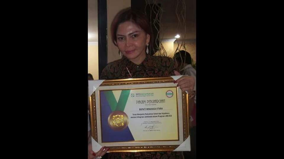 Permalink ke Bupati VAP Terima Penghargaan BPJS